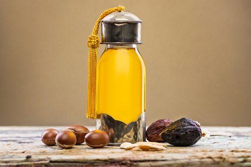 6 meravigliosi oli vegetali per la salute della pelle di viso e corpo